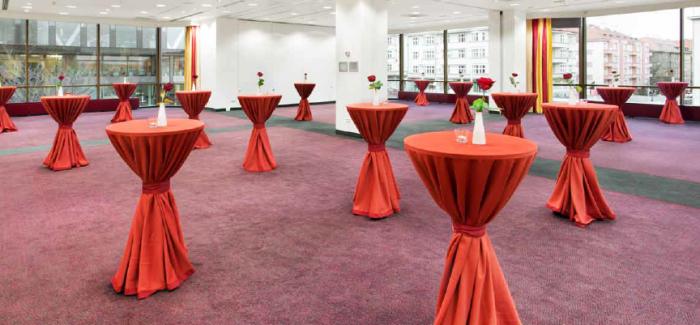 Z vyšehradského podzemí do luxusních sálů hotelu Diplomat!