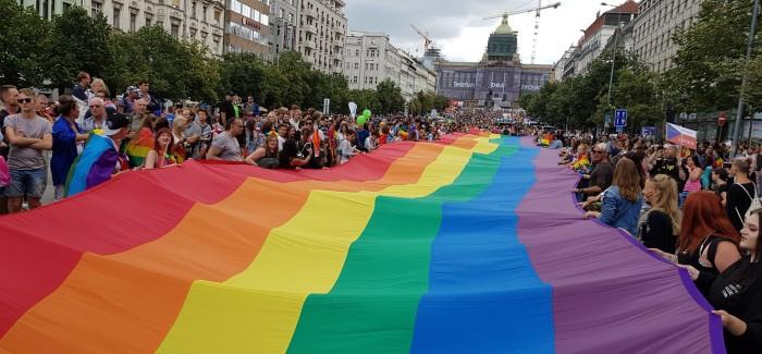 Letošního ročníku Prague Pride se zúčastnilo 35 000 lidí